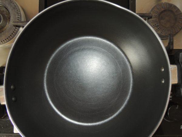 Now put a kadai / frying pan on the gas.