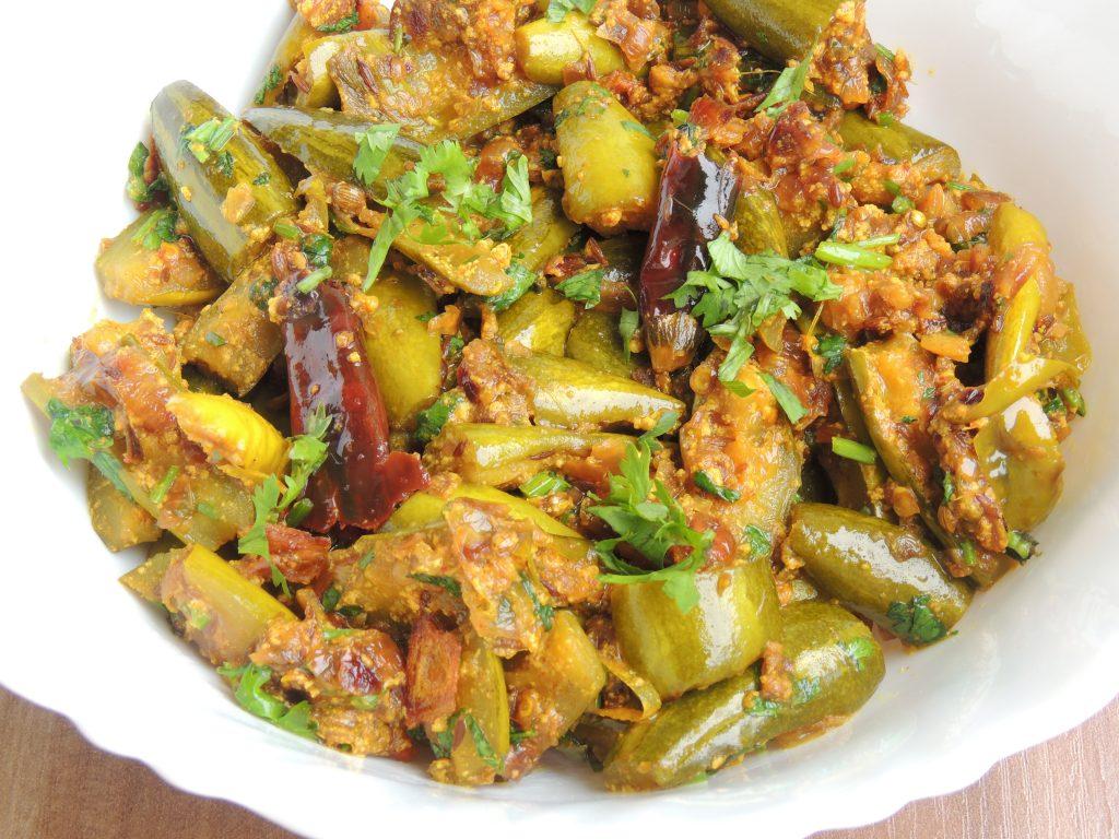Pointed Gourd Curd / Parwal Dahi Dry Recipe