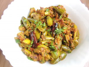 Pointed Gourd Curd / Parwal Dahi Recipe