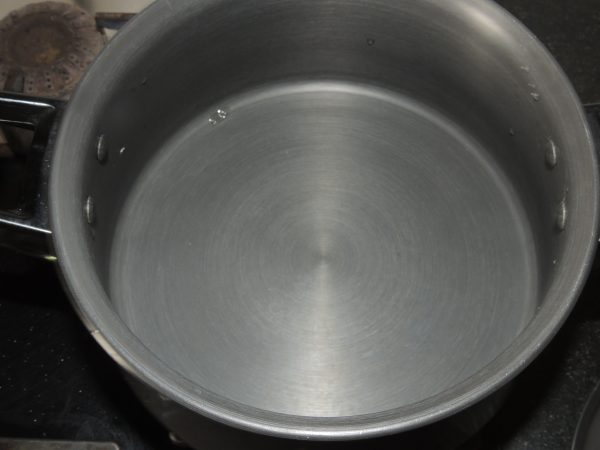 Place handi / fry pan on the gas stove.