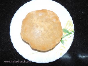Poori is ready. Serve these yummy poori's with aloo curry, chhola, curd, pickle, raita or chutney also.