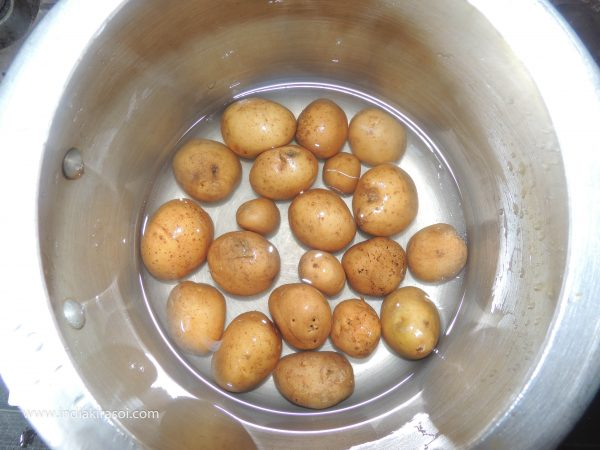 First take 20 baby potatoes or small size potatoes.