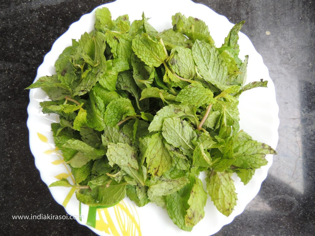 Then take about 10 teaspoons of mint leaves.