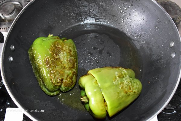 Turn off the gas when the capsicum are cooked from all sides.
