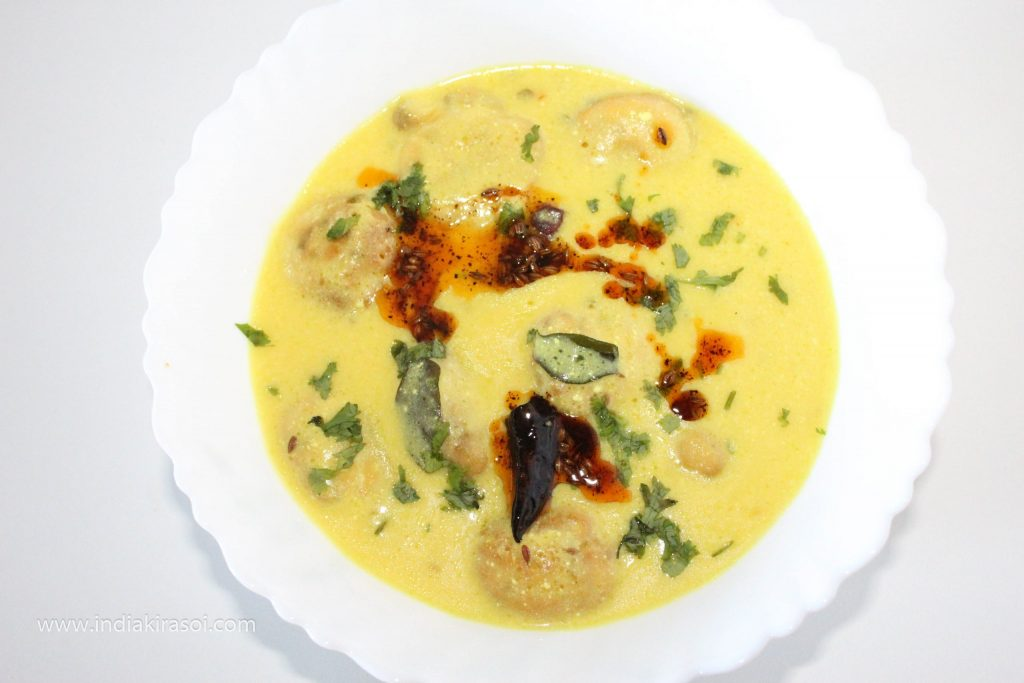 If you want, you can eat Kadhi by adding a spoonful of desi ghee.