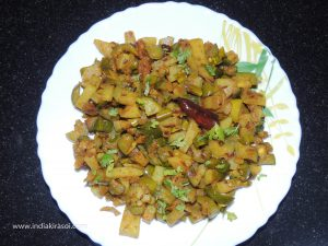 Dry Parval Potato recipe is very easy to make, along with it, Pointed gourd/ parwal is also very beneficial for our body. Follow the below-given method step by step to make a dry recipe of pointed gourd/ parwal potato...