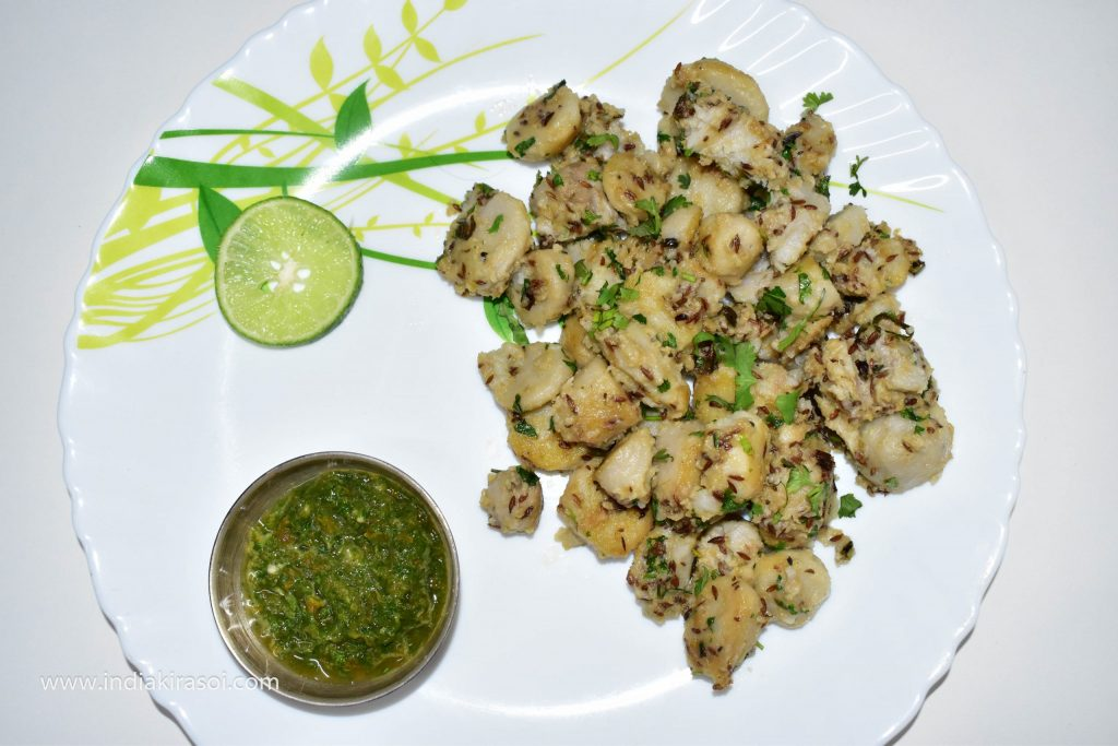 Serve the fried colocasia /ghuiyaan or arbi with curd or raita and chutney.