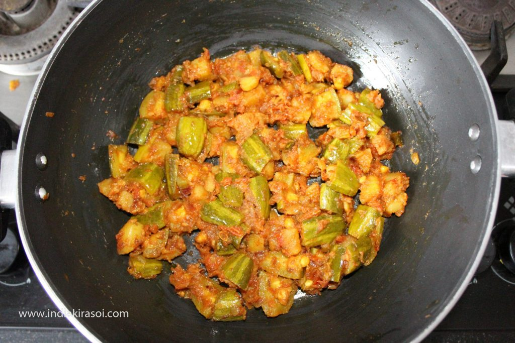 Now mix all the spices in the parwal well and fry for 2 minutes.
