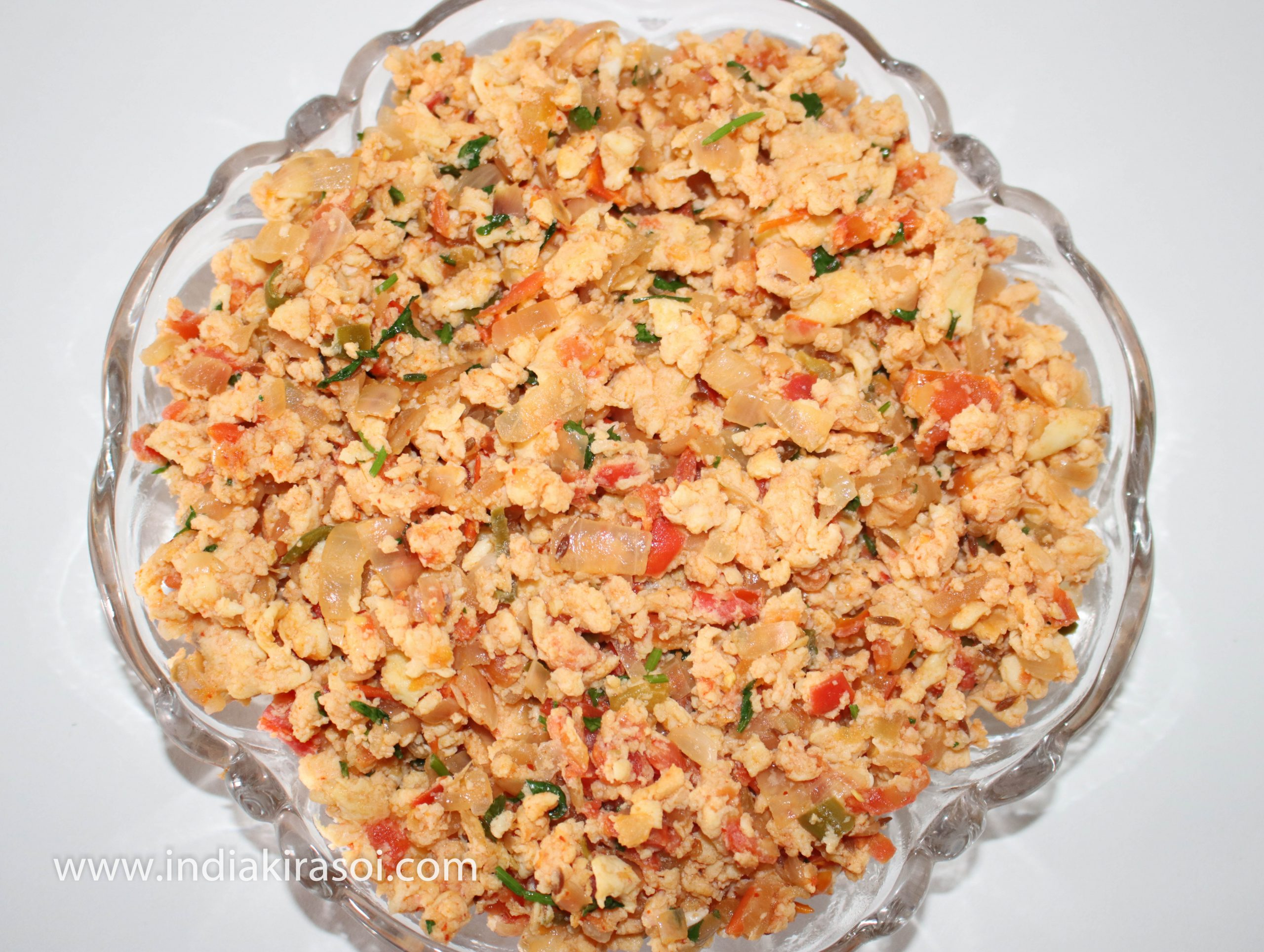 Take out the anda bhurji/ mashed egg in a separate bowl.